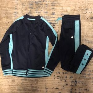 Girls avia track suit. Size 7/8.